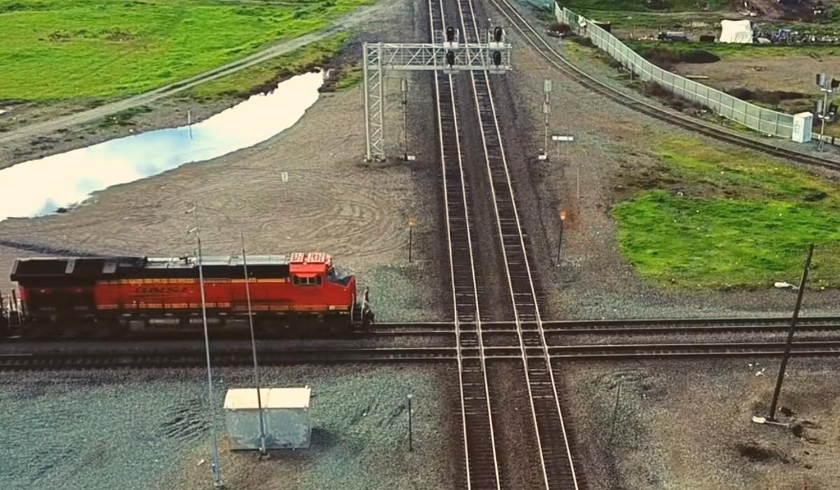 Train crossing the diamond junction in Stockton